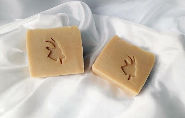 jabón de leche de cabra artesanal